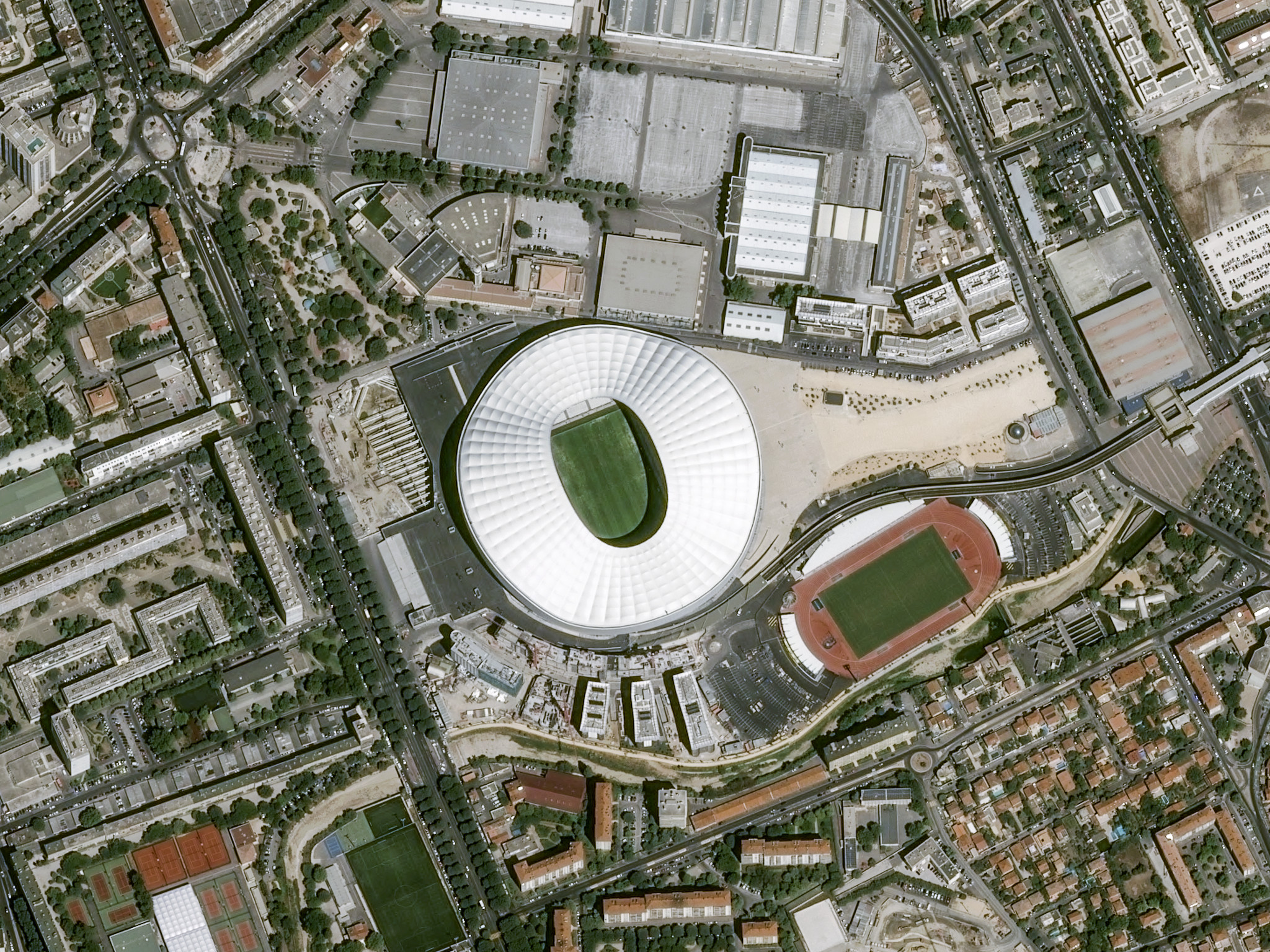 is_euro2016_stade_marseille_pleiades_20150728.jpg