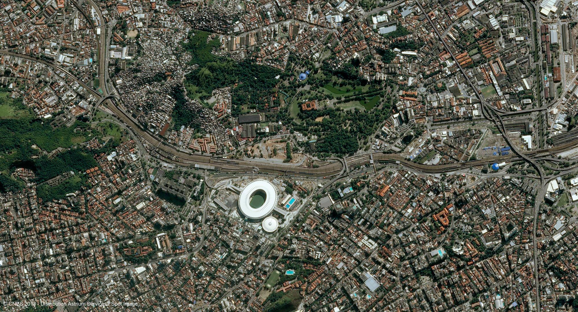 r23659_39_satellite_image_pleiades_rio_maracana_20130509-2-1_2000.jpg