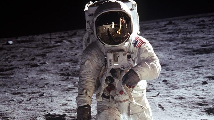Ombre de Buzz Aldrin, prise lors d'une sortie extra véhiculaire.