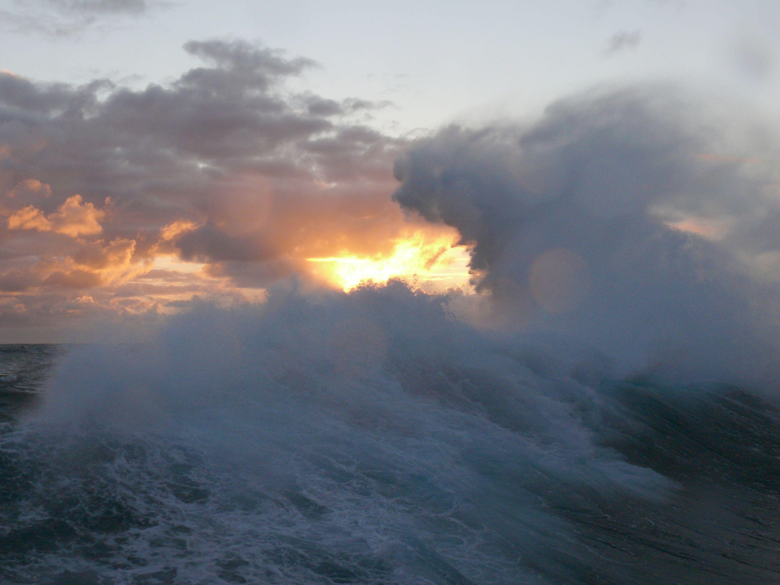 vague pleine mer © Ifremer