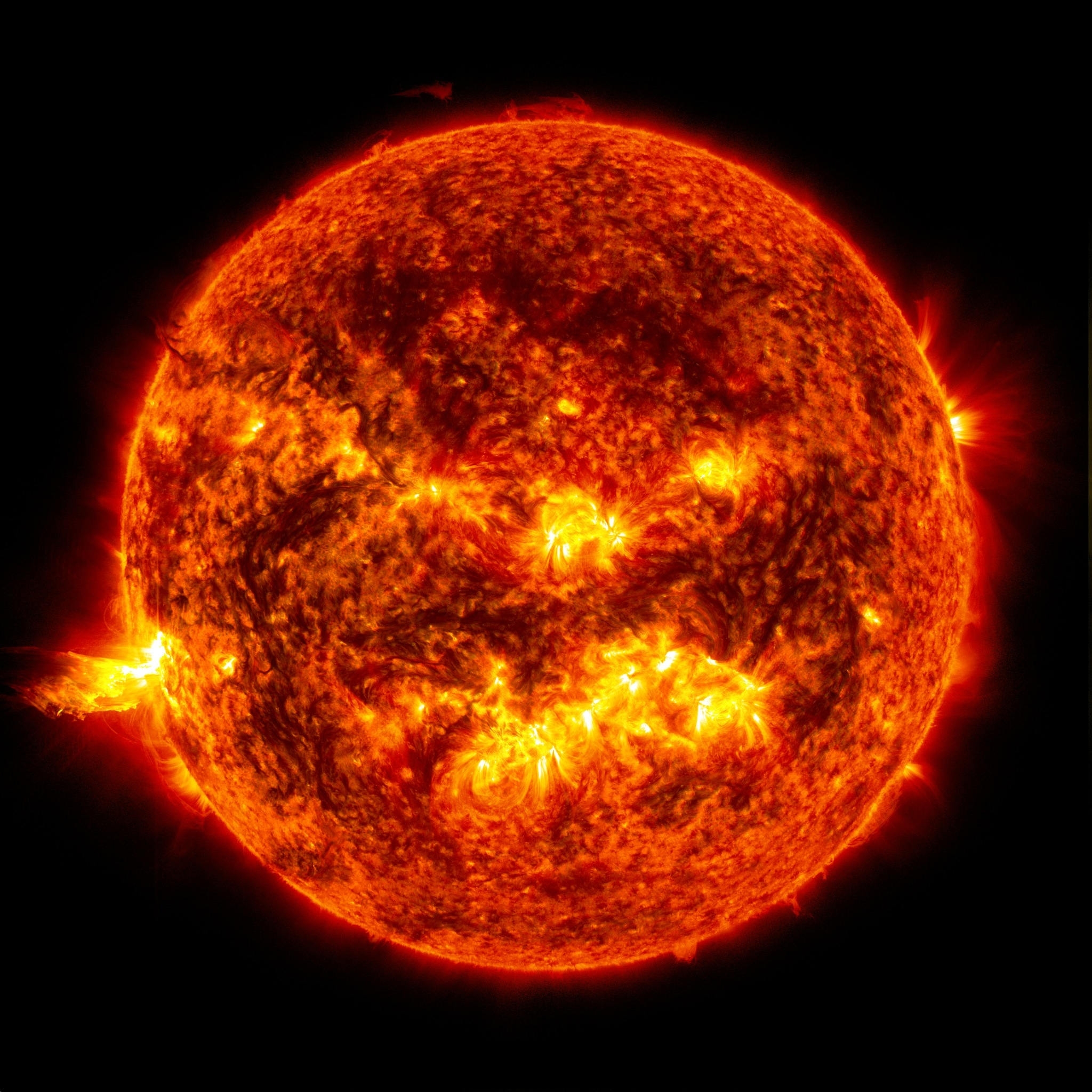je_systemesolaire_eruption_solaire_.jpg