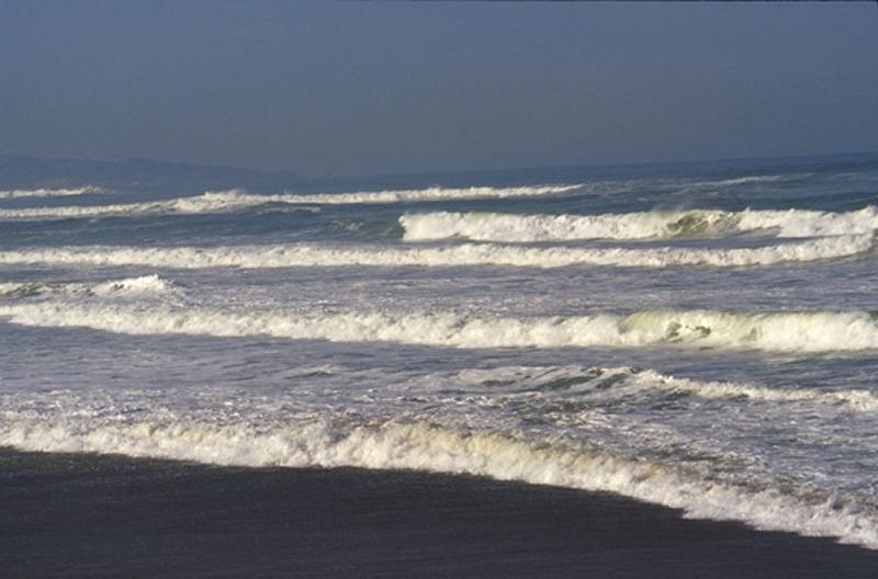 p4248_56e2c2eb9d1d089ee42430cf1a5889c7__climat_images_oceans_vague1_t.jpg