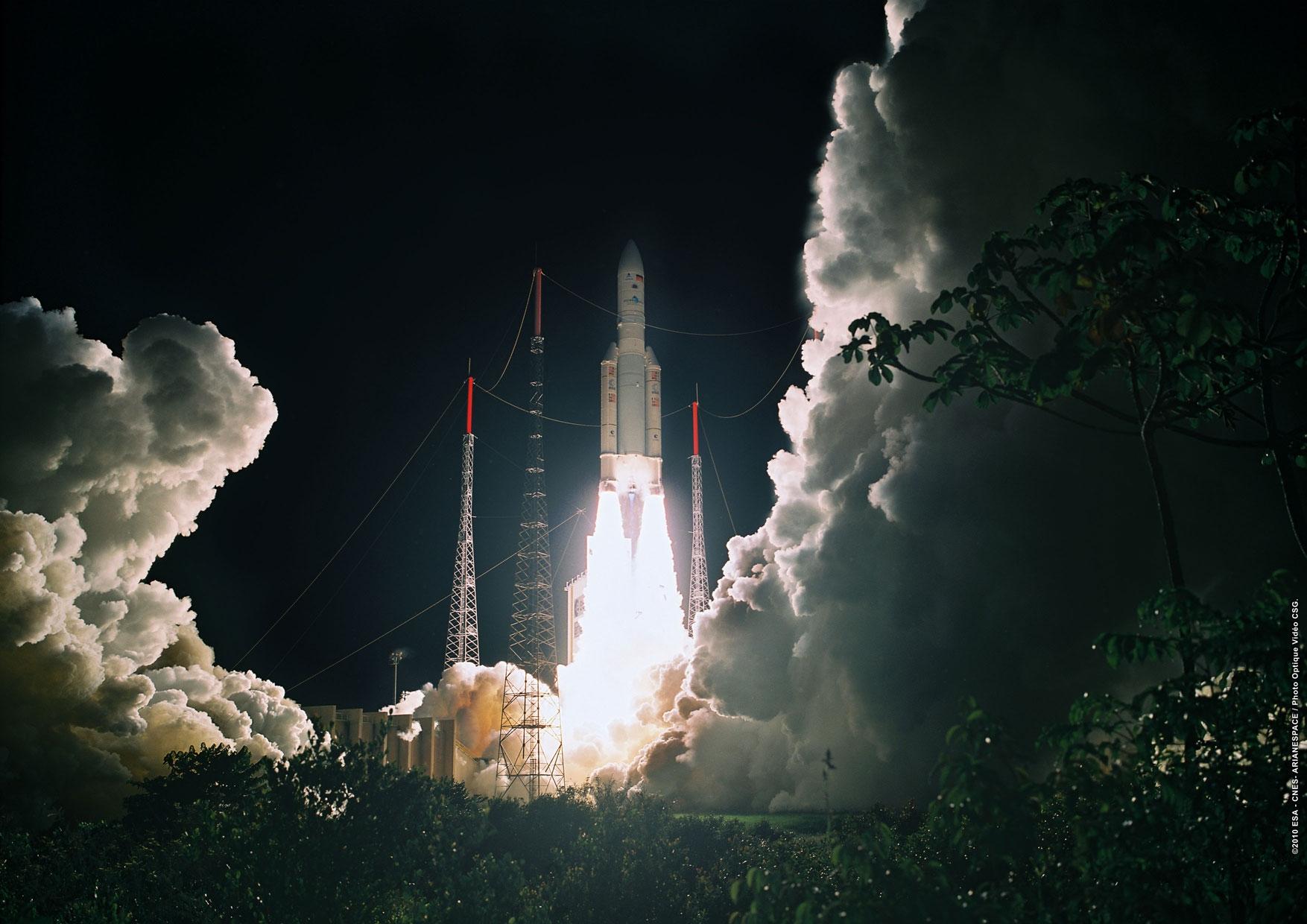Decollage_Ariane5_vol194.jpg