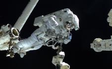Sortie spatiale : jamais sans mon scaphandre