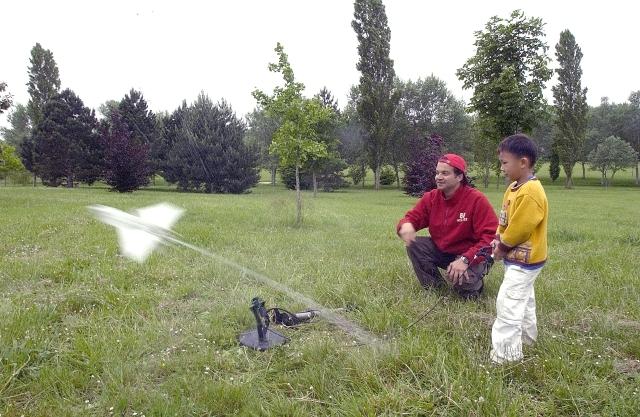 Lancement d'une fusée à eau © CNES/Planète Sciences