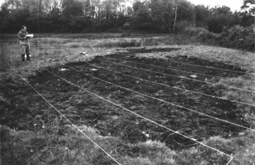 26 octobre 1989 en Normandie : un trou étrange s'est formé au sol © CNES/GEIPAN
