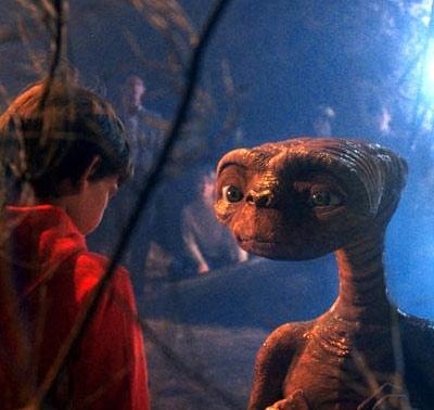 E.T. et Elliott  ©  United International Pictures