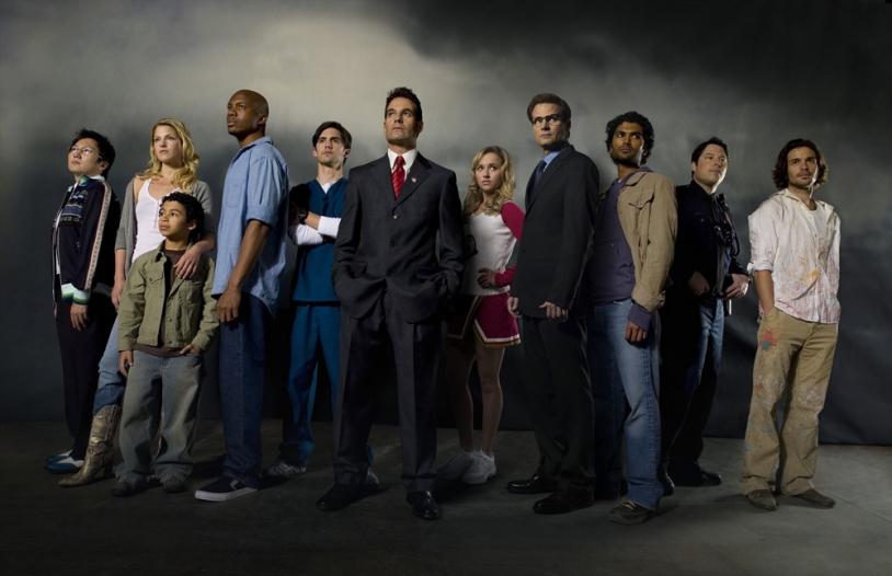 Dans la série Heroes, Hiro Nakamura (à gauche), informaticien, possède le pouvoir de maîtriser le temps © Photo12.com