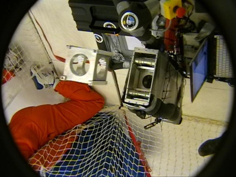 Le dispositif Flymate pendant une parabole © CNES