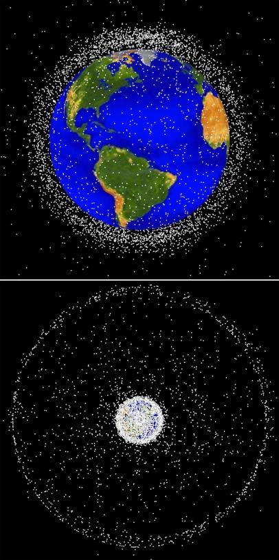 Les débris sont répartis pour moitié sur des orbites basses, entre 200 et 2 000 km d'altitude (image du haut), et sur l'orbite géostationnaire, à 36 000 km d'altitude (image du bas)© NASA