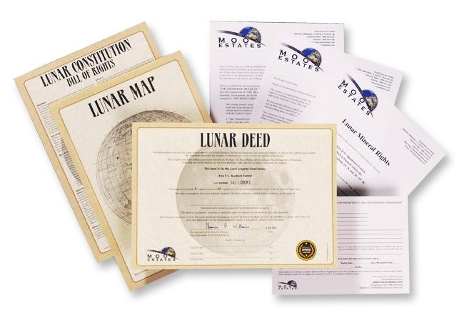 Actes de propriété vendus par MoonEstates, qui propose des parcelles lunaires à ses clients. Ces documents ont-ils une valeur légale ? © MoonEstates
