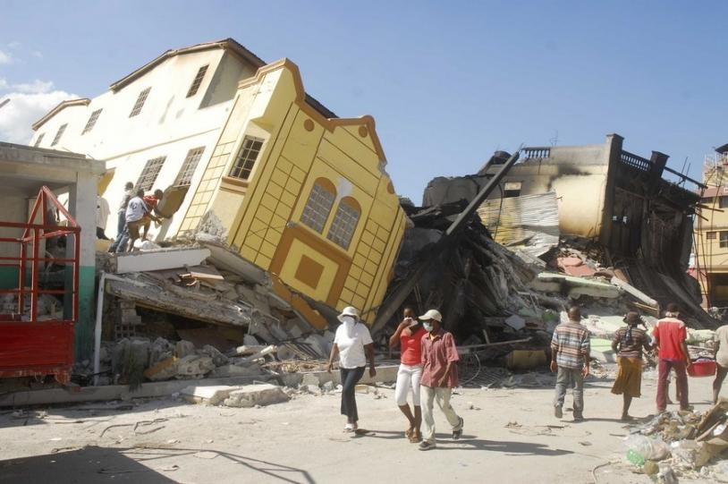 Le 12 janvier 2010, un tremblement de terre a dévasté Haïti. Cette photo a été prise le 19 janvier, dans la capitale, Port-au-Prince © CAVALLERA/SIPA