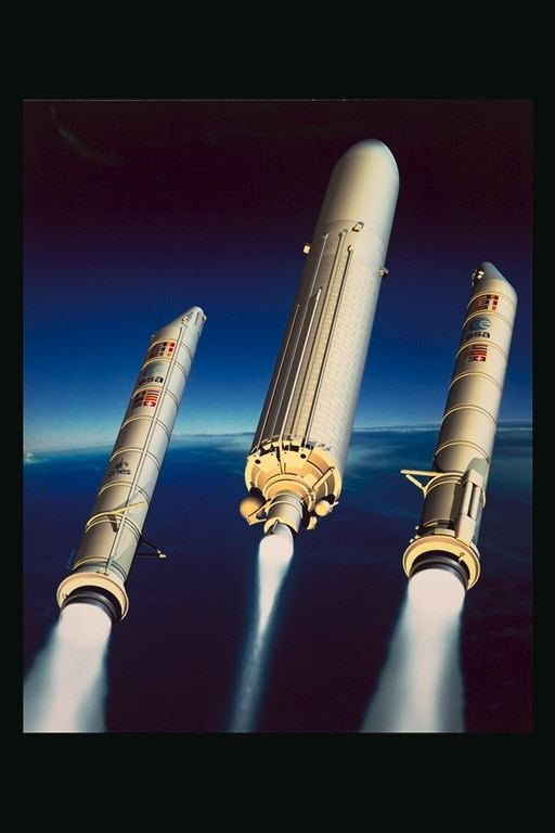 2 minutes après le lancement, séparation des 2 propulseurs à poudre, les EAP © ESA