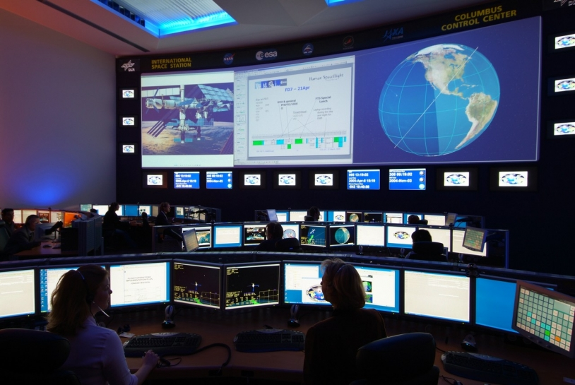 Le centre de contrôle de Colombus (Allemagne) est en charge des systèmes dédiés aux activités scientifiques à bord de la station spatiale internationale © DLR